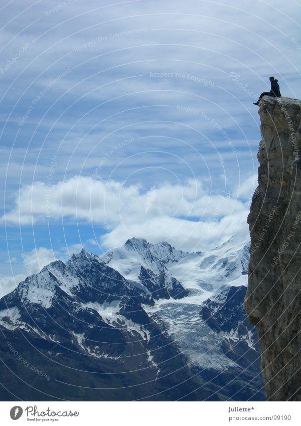 mein Freund-mein Held! Mut Aussicht träumen genießen ruhig Berge u. Gebirge Bergsteigen Himmel Niveau Freiheit Beine baumeln lassen schön Ferne Leben