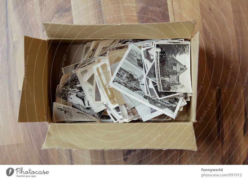 ausgekramt Verpackung Kasten Kitsch Krimskrams Souvenir Sammlung Sammlerstück Fotografie alt Papier Karton früher retro altehrwürdig Familie & Verwandtschaft
