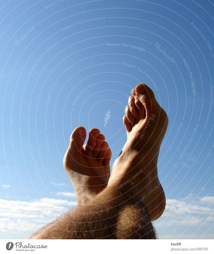 Pause Himmel blau Sommer Ferien & Urlaub & Reisen ruhig Wolken Erholung Arbeit & Erwerbstätigkeit oben Haare & Frisuren Fuß Beine 2 Hintergrundbild Rücken hoch