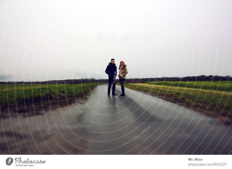 sonntagnachmittag Mensch Himmel Natur Erholung Landschaft Umwelt Straße Herbst feminin Wege & Pfade Mode Horizont Lifestyle Freundschaft maskulin