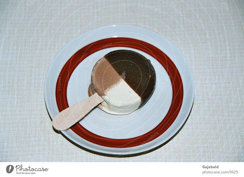 Teller mit Eis Ernährung