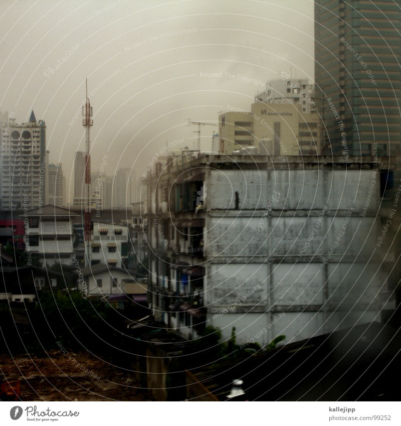 rainy days Bangkok Stadt Plattenbau Unwetter Hochhaus Haus Fenster Antenne Nebel Wolken Regen nass feucht Smog ökologisch Umweltschutz Krach Stress Verkehr
