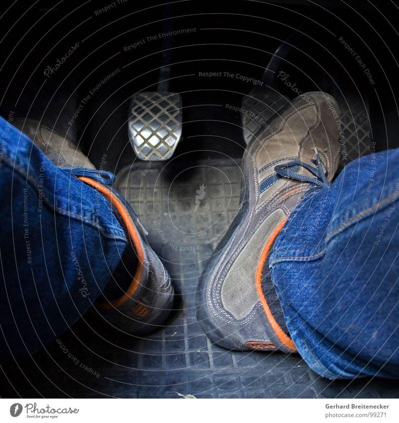Ein Herz für Radfahrer Schuhe Pedal Kupplung fahren Motor schalten Kuppeldach führen Autofahrer Konzentration Geisterfahrer Priorität Klimawandel