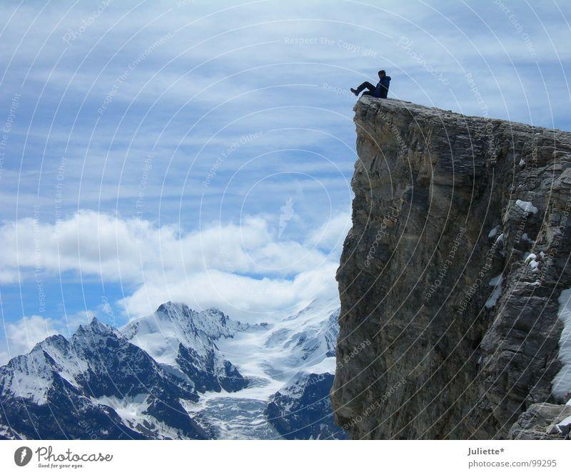 mein Freund-mein Held 3 Pause weiß Wolken Abenteuer Mut gewagt Berge u. Gebirge Freizeit & Hobby Himmel Leben Freiheit blau sitzen Einsamkeit