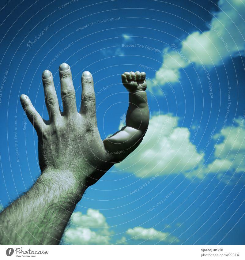 Touch the sky Wolken Hand Finger berühren Faust skurril Himmel seltsam Freude Arme Puppenarm blau Verkehrswege