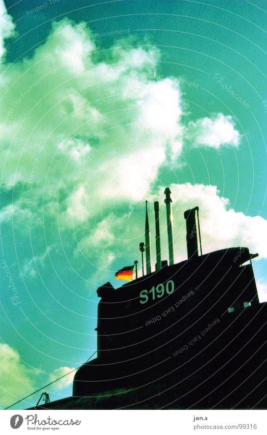 u11. Wasserfahrzeug Wolken schwarz Marine Schifffahrt U-Boot U11 Himmel Deutschland blau