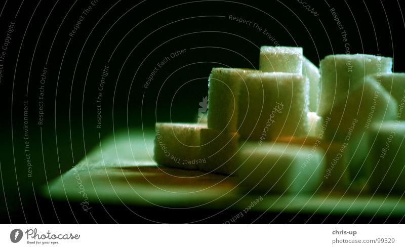Zuckerwürfel II Würfelzucker süß Zuckerfabrik weiß Zuckerrohr Brasilien Südamerika grün braun ungesund Zuckerrübe eckig Quadrat Kristallstrukturen
