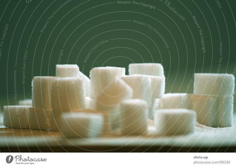 Zuckerwürfel III weiß grün Ernährung Lebensmittel Holz braun süß Europa Küche Fabrik Gastronomie Wut Appetit & Hunger Quadrat Süßwaren Holzbrett