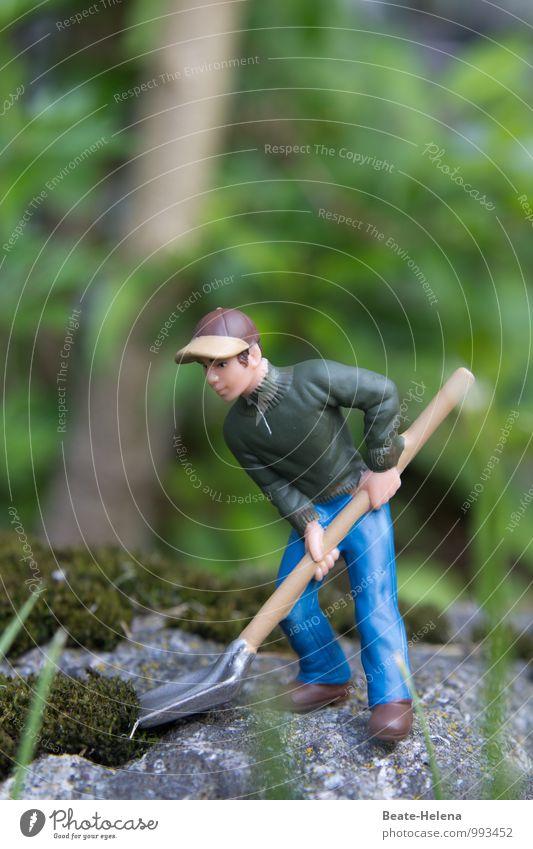 Auf Arbeit | der Waldmeister in Aktion ... blau grün Baum Bewegung Stein braun Arbeit & Erwerbstätigkeit maskulin Kraft Schuhe Landwirtschaft Hose Mütze Jacke