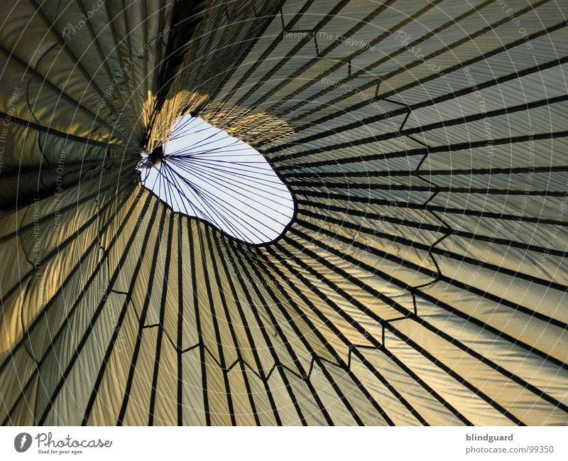 Lines Zelt Baldachin Abdeckung graphisch Haken Fallschirm gefangen Öffnung planen sehr wenige modern Ausstellung Messe Schutz Regen Linie lines segeltuch