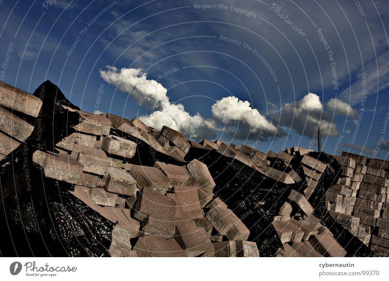 heiter bis ulkig Himmel Wolken Arbeit & Erwerbstätigkeit Stein Wetter Baustelle Sturm Leidenschaft Gewitter Unwetter bauen Strommast chaotisch Gartenbau