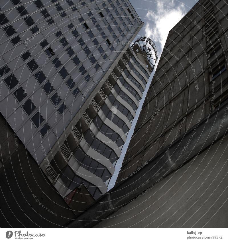 die wilde 13 Hochhaus Balkon Fassade Fenster Wohnanlage Stadt rund Pastellton Beton Etage Selbstmörder Raum Mieter Leben live Ghetto Sozialer Brennpunkt