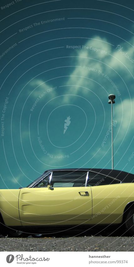dodge charger Himmel alt blau Ferien & Urlaub & Reisen schwarz gelb PKW Verkehr USA KFZ Verkehrswege Straßenbeleuchtung Blech Lack Oldtimer Chrom