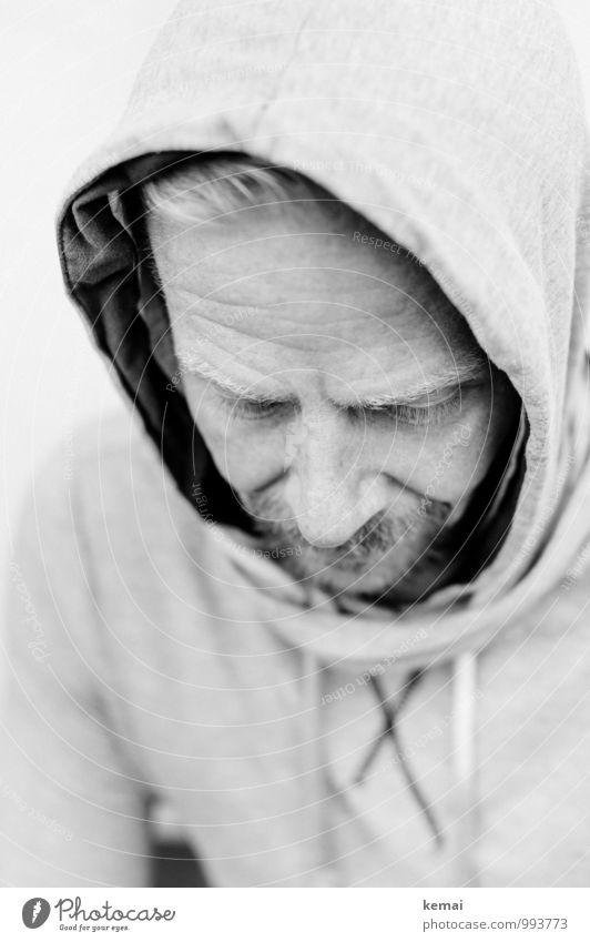 Hood up, Head down Lifestyle Stil Mensch maskulin Mann Erwachsene Leben Kopf 1 30-45 Jahre Kapuzenpullover Bart Oberlippenbart Vollbart ästhetisch authentisch