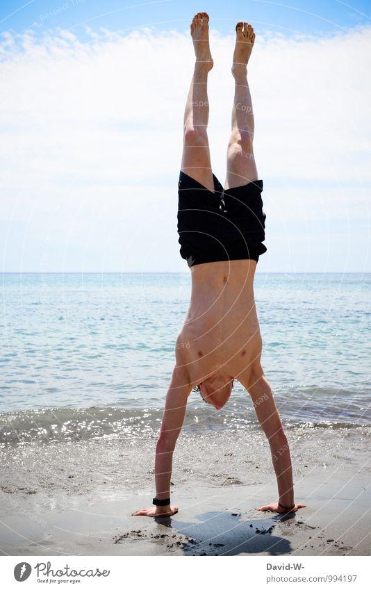 Kopfüber ins neue Jahr Ferien & Urlaub & Reisen Jugendliche schön Sommer Meer Erotik 18-30 Jahre Strand Erwachsene Sport außergewöhnlich maskulin Kraft Körper