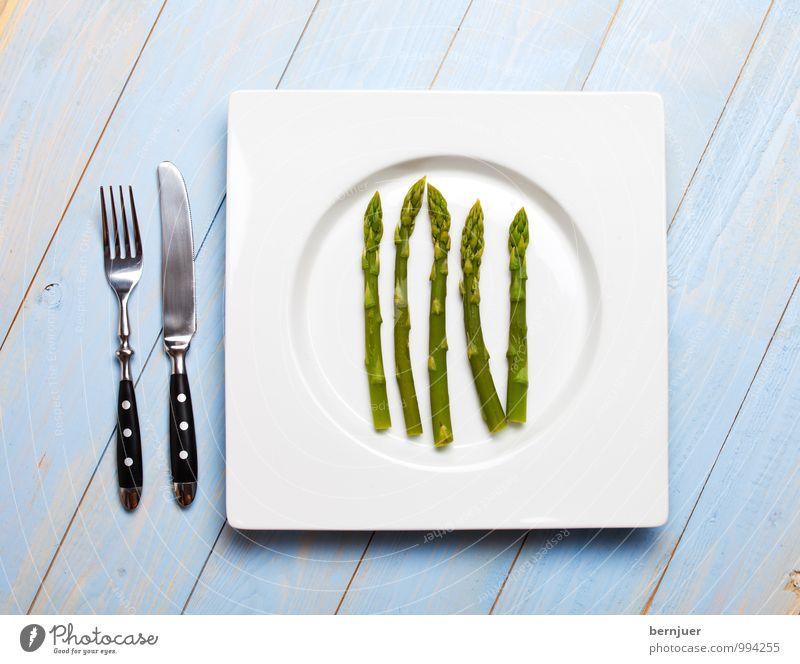 Grünspargel Lebensmittel Gemüse Bioprodukte Vegetarische Ernährung Teller Besteck Messer Gabel Billig gut Ehrlichkeit Spargel Spargelkopf grün blau 5