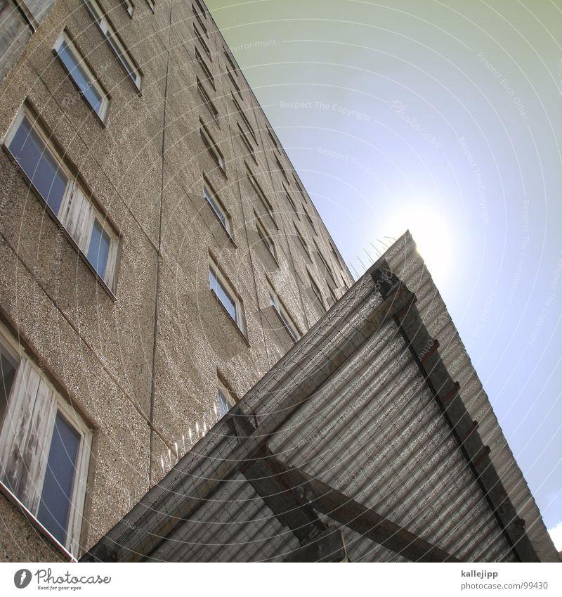 ziggy stardust Hochhaus Balkon Fassade Fenster Wohnanlage Stadt rund Pastellton Beton Etage Selbstmörder Raum Mieter Leben live Ghetto Lüftung