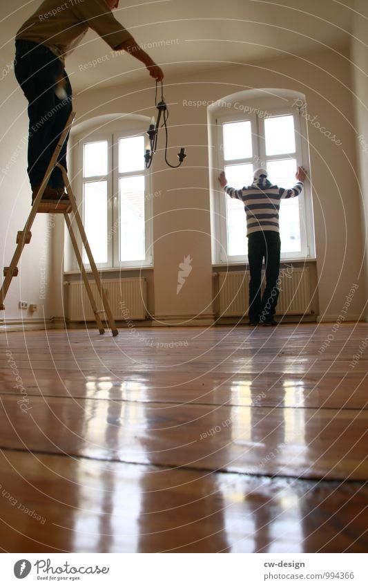 Wartungsarbeiten heimwerken Häusliches Leben Wohnung Renovieren Umzug (Wohnungswechsel) einrichten Innenarchitektur Wohnzimmer Mensch maskulin Junger Mann