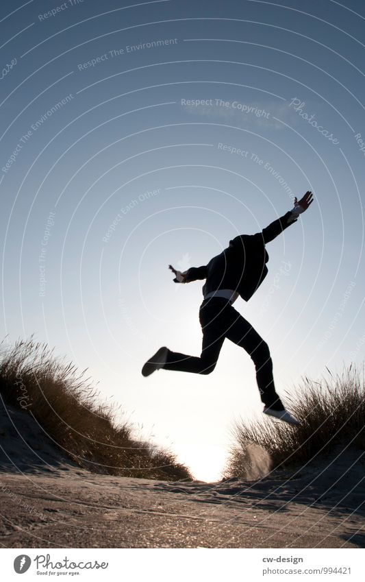 999 Freudensprünge Lifestyle Design Glück Freizeit & Hobby Spielen Ferien & Urlaub & Reisen Mensch maskulin Jugendliche Leben 1 fliegen springen sportlich