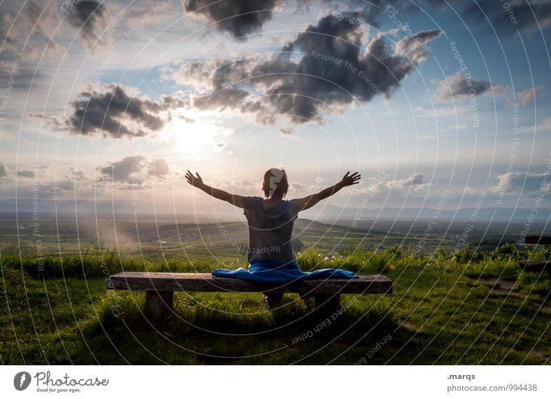 Hallo 2015! Lifestyle Ausflug Abenteuer Freiheit Mensch feminin Junge Frau Jugendliche Umwelt Natur Landschaft Himmel Wolken Horizont Sonne Sommer Herbst