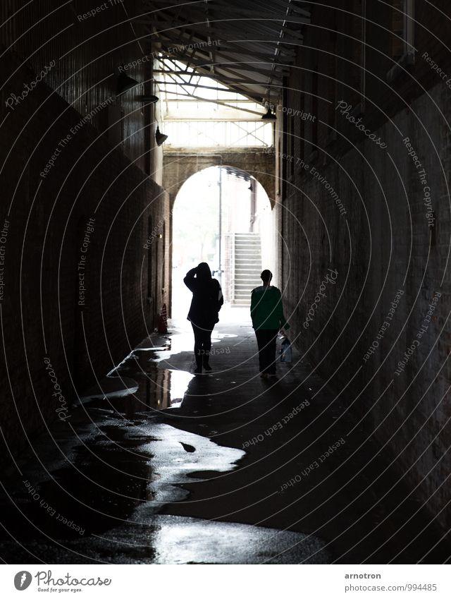 Walking in the shadows elegant Spaziergang Mensch feminin Junge Frau Jugendliche Erwachsene Familie & Verwandtschaft 2 18-30 Jahre 30-45 Jahre Architektur