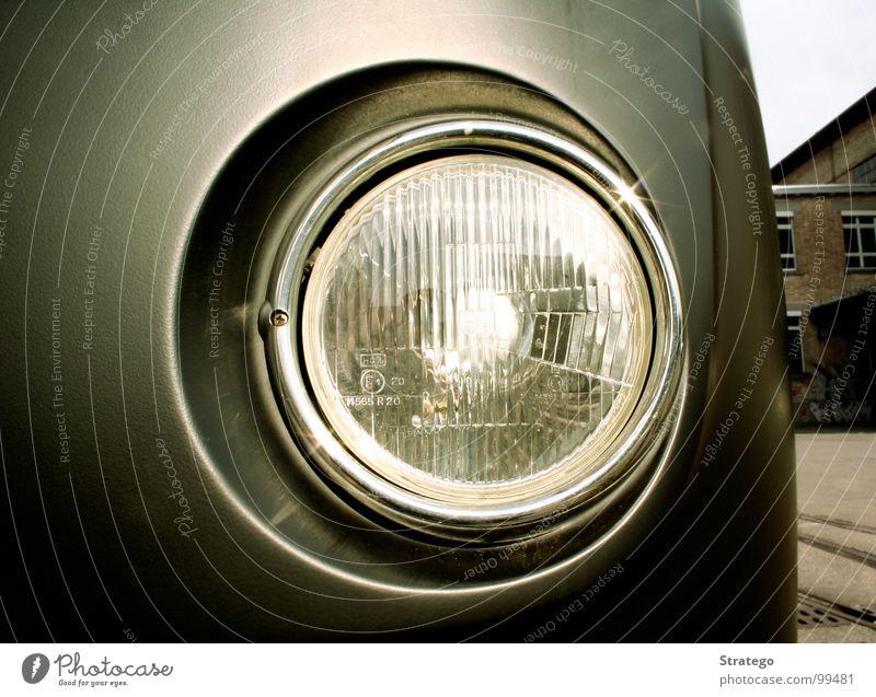 watching you... Licht Strahlung Sauberkeit Glühbirne erleuchten Lichtkegel fahren parken grau Elektrisches Gerät Technik & Technologie Scheinwerfer Lampe PKW