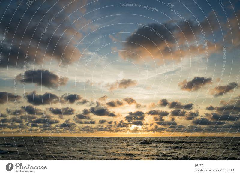 Sonnenuntergang Himmel Natur Ferien & Urlaub & Reisen blau Wasser Sommer Meer Landschaft Wolken Strand Ferne Umwelt gelb Küste Freiheit