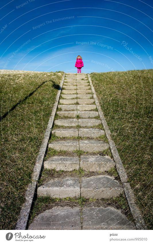 Pinker Punkt Mensch Kind Kleinkind Mädchen Kindheit 1 1-3 Jahre 3-8 Jahre Himmel Schönes Wetter Linie schreien blau grau grün rosa Gefühle Stimmung Treppe Rasen