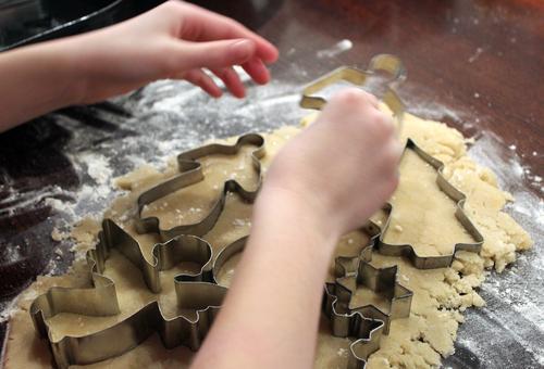 Nach Weihnachten ist vor Weihnachten ... Kind Weihnachten & Advent Hand Leben Essen Bewegung Lebensmittel braun Freizeit & Hobby authentisch Kindheit