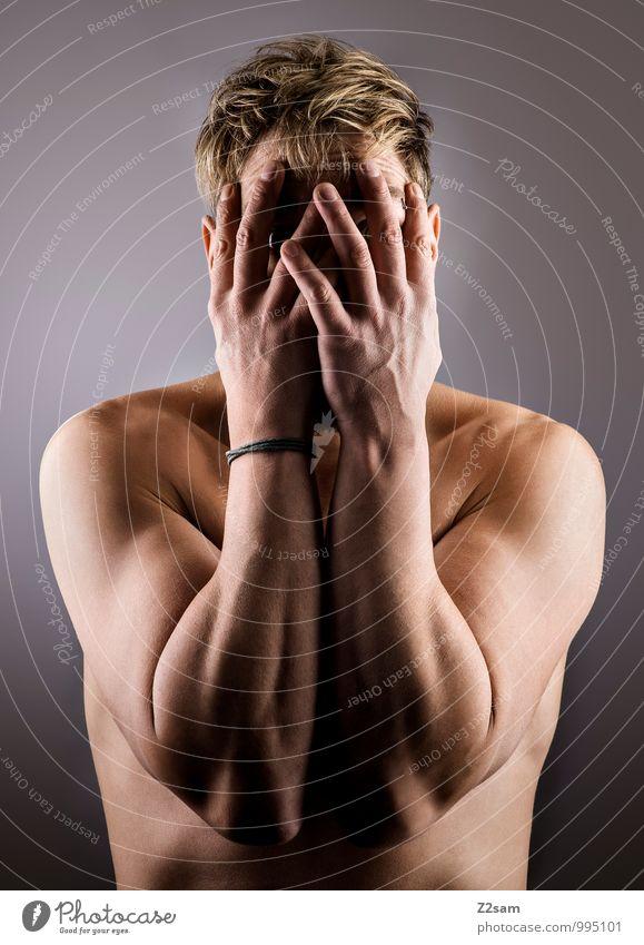 Ich bin nicht da! Jugendliche Einsamkeit ruhig Junger Mann 18-30 Jahre Erwachsene Traurigkeit natürlich Stil Denken Lifestyle maskulin elegant blond
