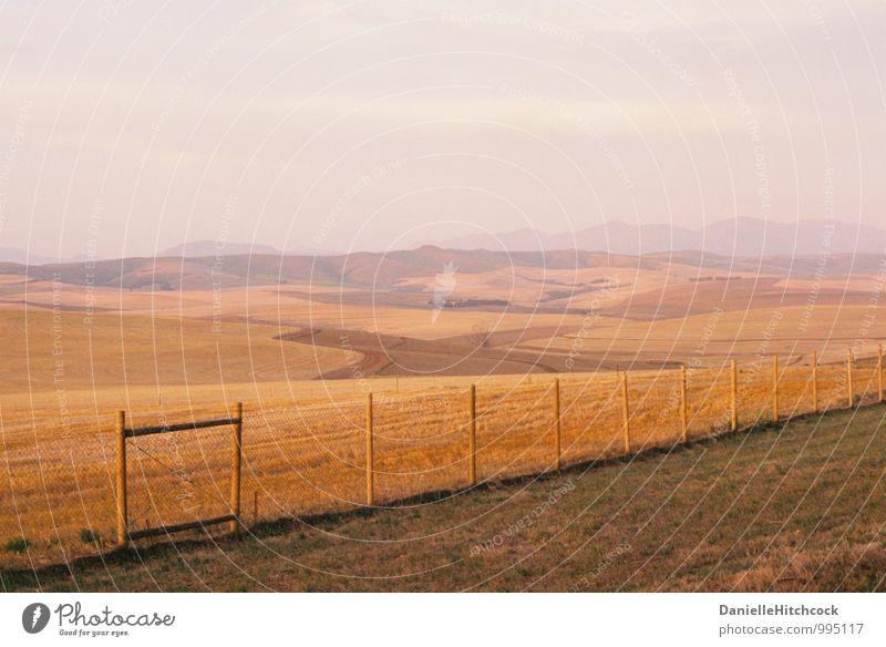 Himmel Natur schön Sommer Landschaft ruhig Ferne Umwelt Berge u. Gebirge Feld Erde Tourismus ästhetisch Schönes Wetter Industrie Hügel