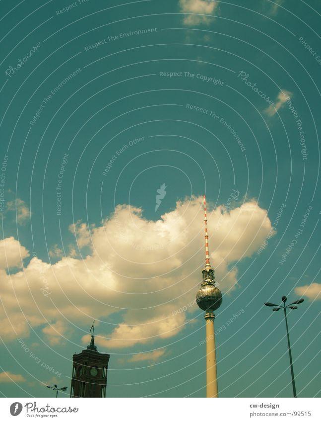 Postkarte für Isiah Laterne Wolken Sightseeing Fernsehen Rathaus Kunst interessant Wahrzeichen Symbole & Metaphern Bekanntheit krumm Alexanderplatz Denkmal