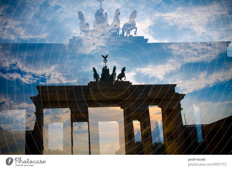 Re: Retourkutsche Wolken Hauptstadt Sehenswürdigkeit Wahrzeichen Brandenburger Tor Bekanntheit historisch Stimmung Inspiration Surrealismus Doppelbelichtung