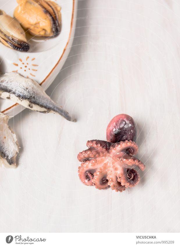 Baby Oktopus auf weißen Holztisch Gesunde Ernährung Stil Hintergrundbild Lebensmittel Foodfotografie rosa Design Kochen & Garen & Backen Bioprodukte mediterran