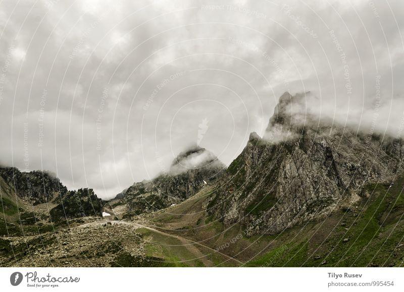 Himmel Natur schön grün Farbe weiß Landschaft Wolken Winter Umwelt Berge u. Gebirge natürlich Felsen Aussicht Europa Fotografie