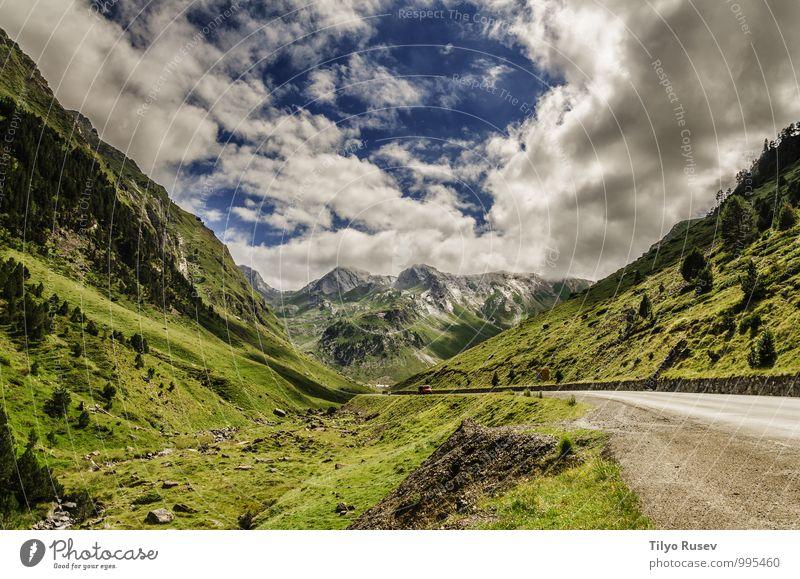 Himmel Natur Ferien & Urlaub & Reisen schön grün Farbe weiß Landschaft Wolken Winter Umwelt Berge u. Gebirge Straße natürlich Aussicht Platz
