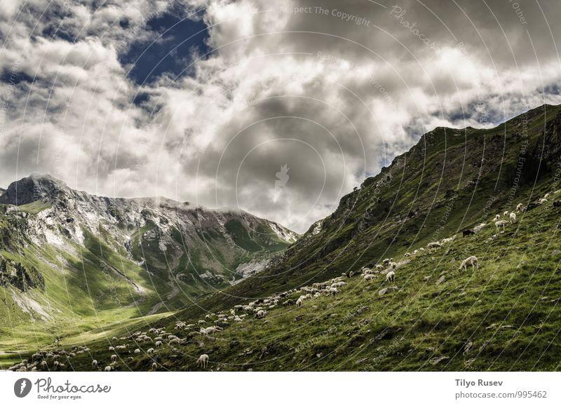 Himmel Natur schön grün Farbe Landschaft Wolken Umwelt Berge u. Gebirge natürlich Wetter Aussicht Europa Fotografie Spanien Hügel