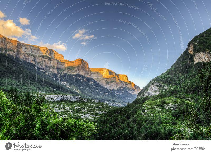 Himmel Natur blau schön grün weiß rot Landschaft Wolken Umwelt Berge u. Gebirge natürlich Felsen Aussicht Europa Fotografie