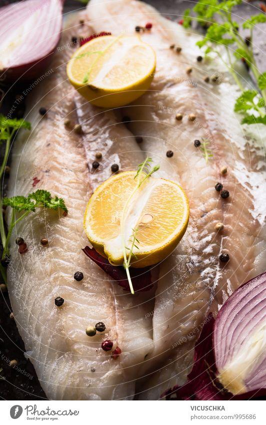 Zander Fischfilet, Zubereitung mit Zitrone Natur rot Gesunde Ernährung gelb Stil Speise Lebensmittel Foodfotografie Frucht Design Kochen & Garen & Backen
