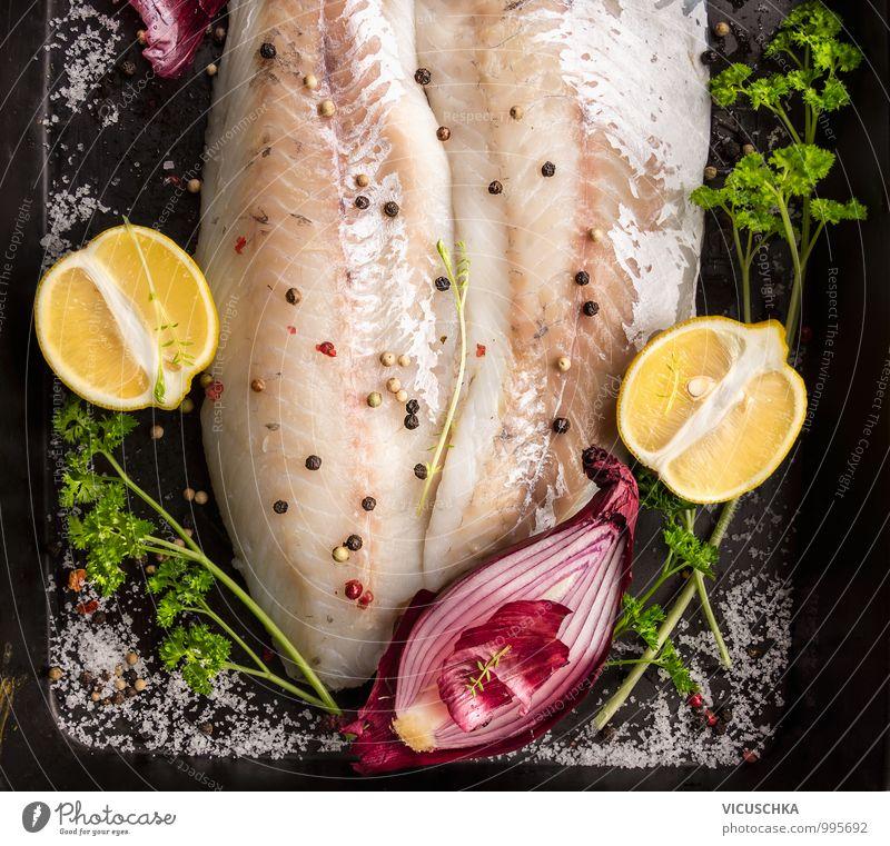 Fischfilet Zubereitung auf dem Backblech Lebensmittel Kräuter & Gewürze Ernährung Mittagessen Festessen Bioprodukte Diät Stil Design Gesunde Ernährung gelb grün
