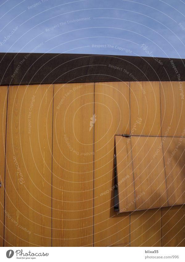 rostige Fassade Stil braun Architektur modern Maske Café Verfall Rost Spanien roh Vorderseite Klappe Rust