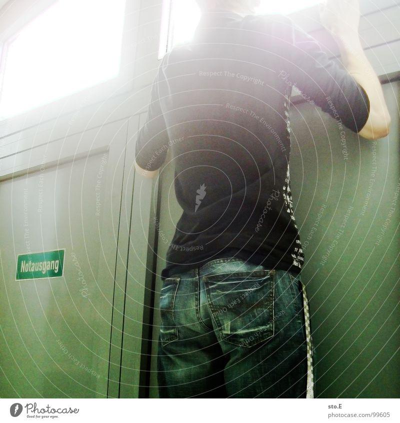 [not] ausgang Mensch Mann Jugendliche rot Fenster Wand Freiheit Wege & Pfade Mauer Denken Tür Raum Angst geschlossen laufen maskulin