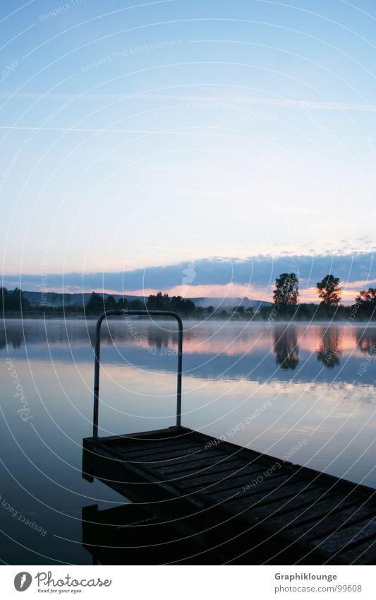 Stiller Morgen | kalt rein frisch See harmonisch Reflexion & Spiegelung ruhig Wasser Himmel Landschaft Natur Bootsteg Morgendämmerung Ausgewogenheit