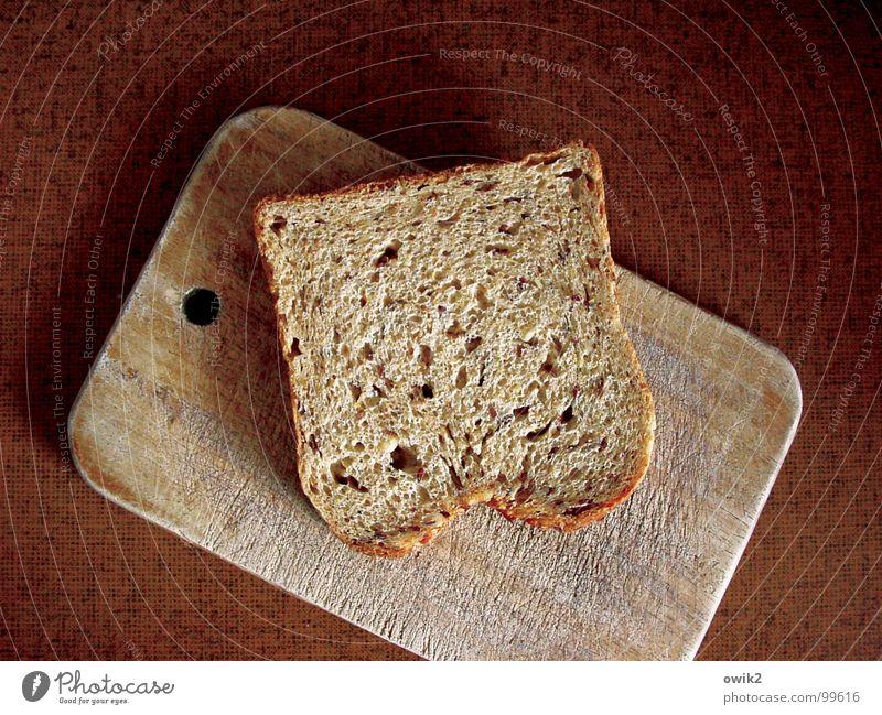 Stulle Teigwaren Backwaren Brot Schnitte Frühstück Schneidebrett Design Küche Gastronomie Tischplatte Resopal Holz Kunststoff füttern braun Selbstbeherrschung