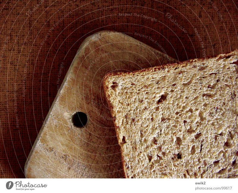 Bemme Holz braun Ernährung Küche einfach Gastronomie Appetit & Hunger Frühstück Brot Loch Mahlzeit Fasten Backwaren Vorsicht füttern Teigwaren