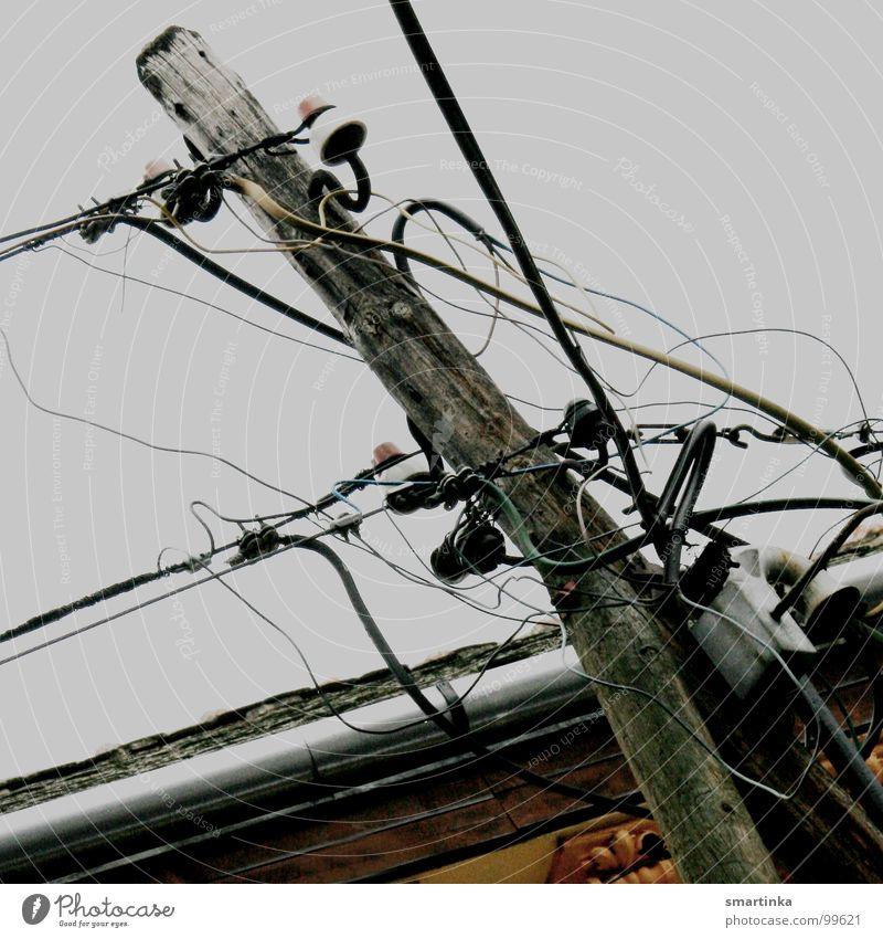 Schnittstelle Industrie Energiewirtschaft Elektrizität Technik & Technologie Verbindung Strommast Draht durcheinander Leitung Elektrisches Gerät