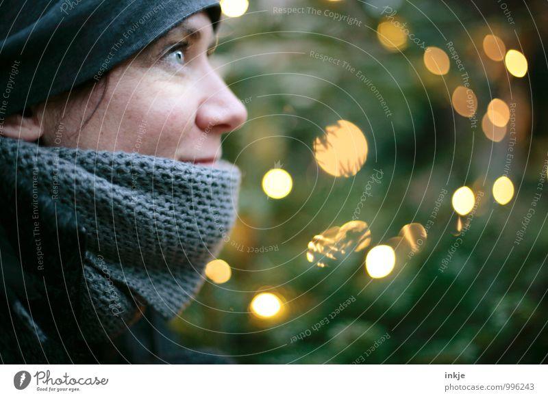 Also ich freu mich auf Weihnachten! Lifestyle Freude Freizeit & Hobby Weihnachten & Advent Frau Erwachsene Leben Gesicht 1 Mensch 30-45 Jahre Winter Schal Mütze