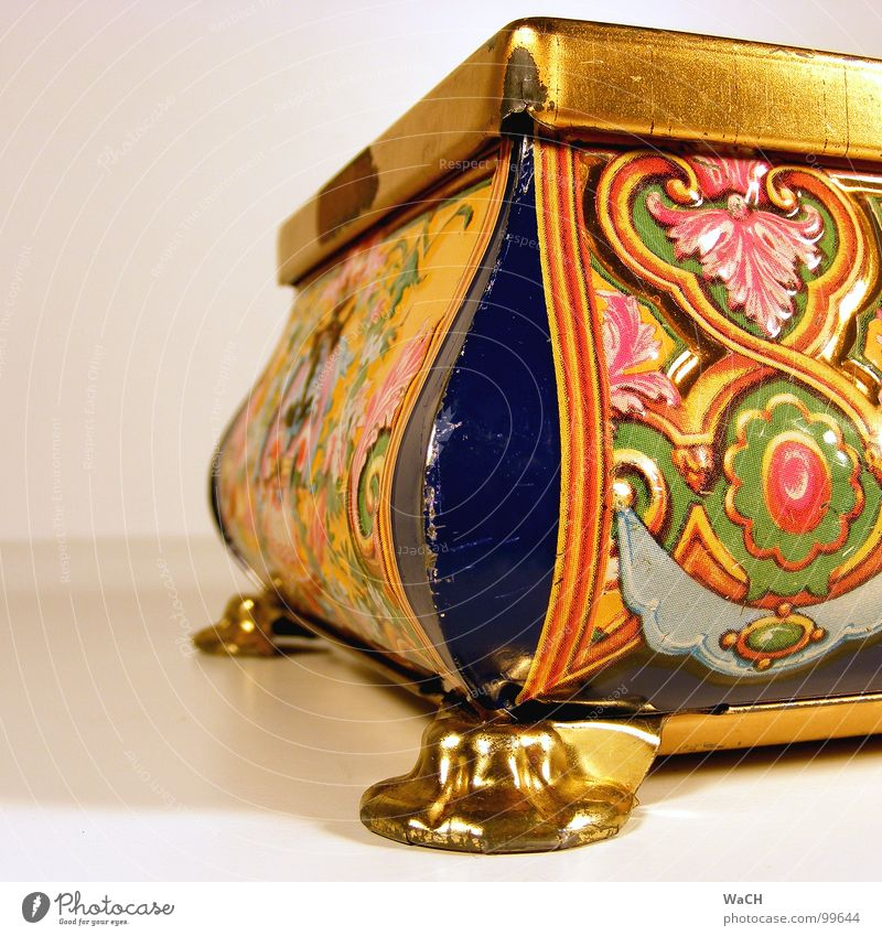 Schatztruhe Blume gold Erfolg Kitsch Asien Dekoration & Verzierung obskur trashig verstecken Dose Schachtel Ornament Verpackung Schatz einpacken Naher und Mittlerer Osten