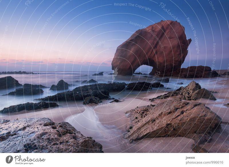 Der Fels Himmel Natur Ferien & Urlaub & Reisen blau Sommer Wasser Meer Landschaft ruhig Wolken Strand Küste braun Felsen Horizont orange