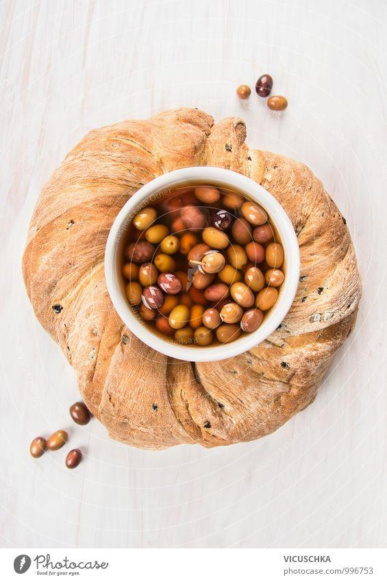Runder Ciabatta Brott mit Oliven. weiß Gesunde Ernährung Stil oben Lebensmittel Foodfotografie Design Perspektive Kreis rund Kochen & Garen & Backen Gemüse